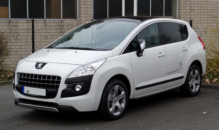 Peugeot_3008_HDi_FAP_110_Allure_–_Frontansicht,_17._März_2012,_Ratingen