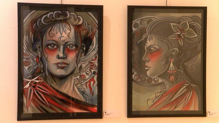 Deux oeuvres picturales de Sébastien Wavrant, sont également visibles.