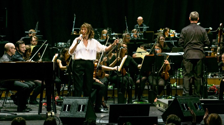 Jane_Birkin_With_Heritage_Orchestra_-_Barbican_Centre_-_Tuesday_26th_September_2017_JaneBirkinBarbican-5_(37361284072).jpg